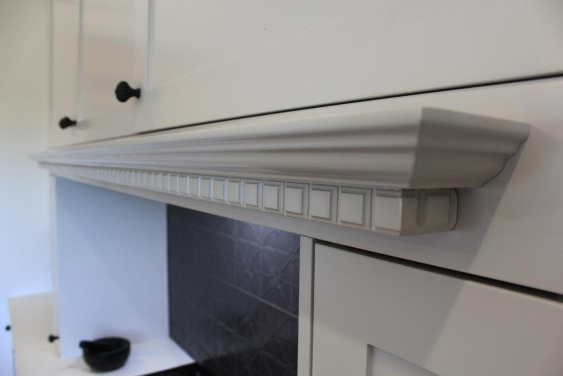 Traditional Kitchen with Custom Made Rangehood Cabinet with Dentil Mould Mantle