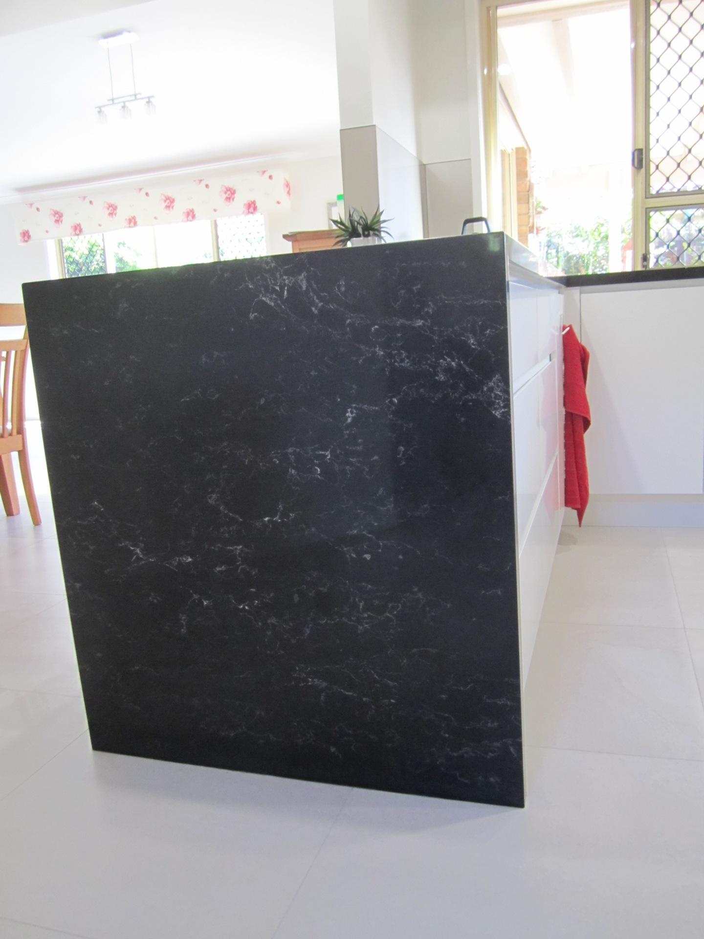 Brisbane Kitchen Design Contemporary Kitchen White 2 Pac Integrated Handles (11)