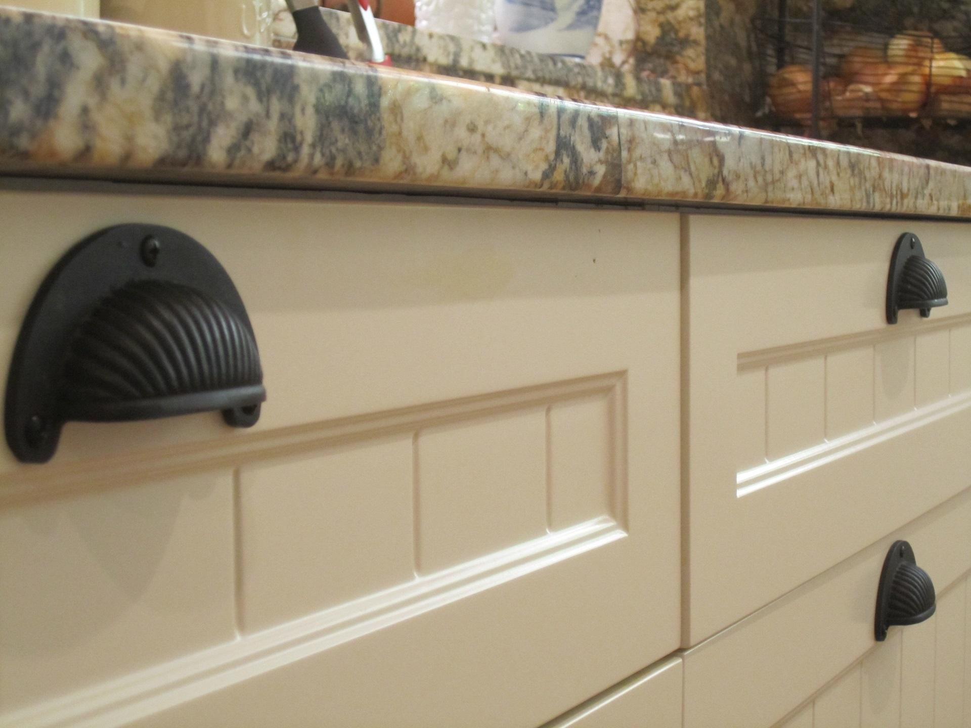Brisbane Kitchen Design Samford  Traditional Kitchen Renovation White 2 Pac Shaker Door with VJ (8)