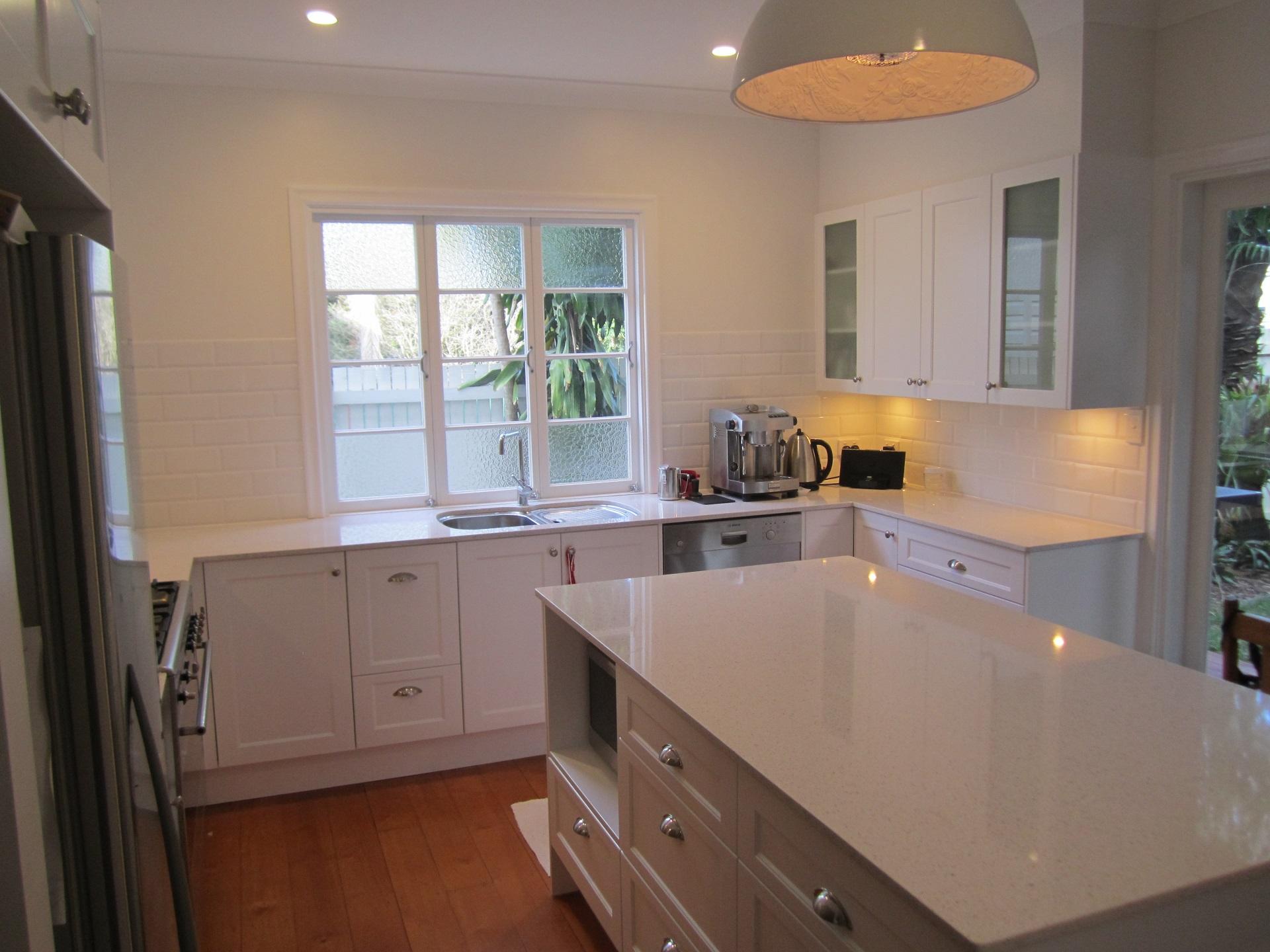 brisbane-kitchen-design-windsor-shaker-kitchen-4