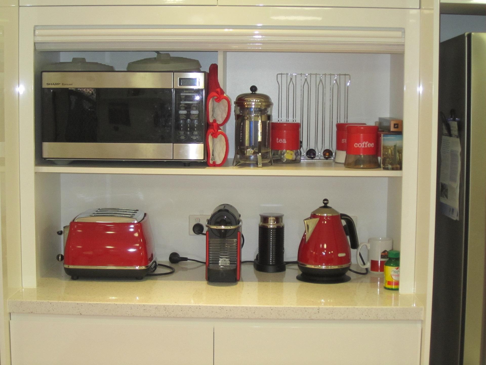 Brisbane Kitchen Design Brackenridge Contemporary Kitchen Roller Shutter