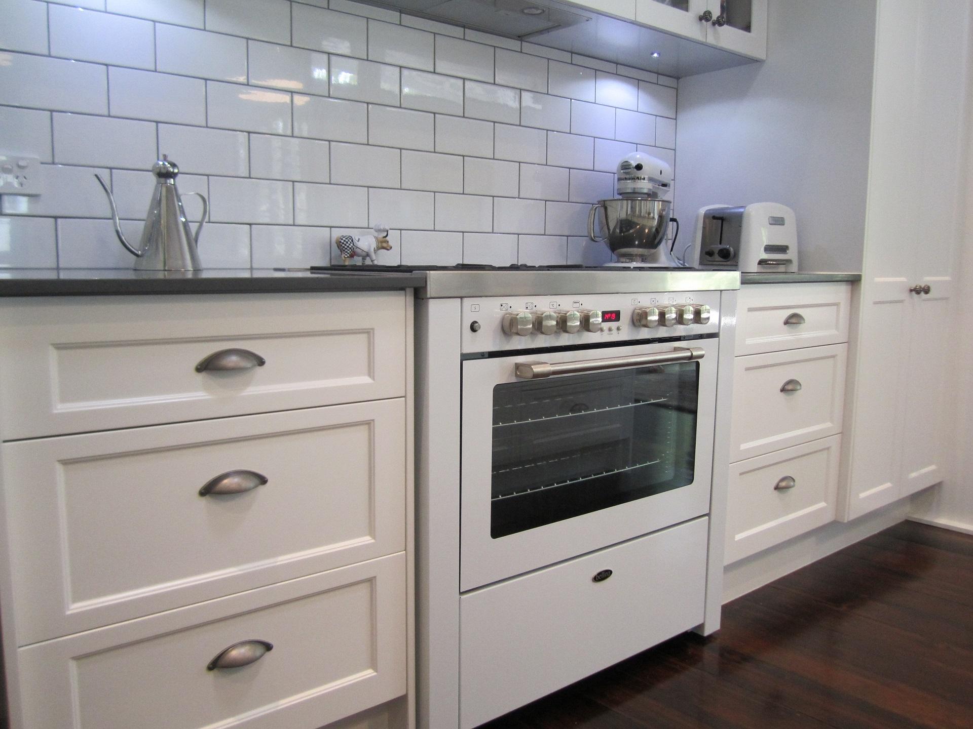 Design Ragaglia Newfarm Shaker Kitchen