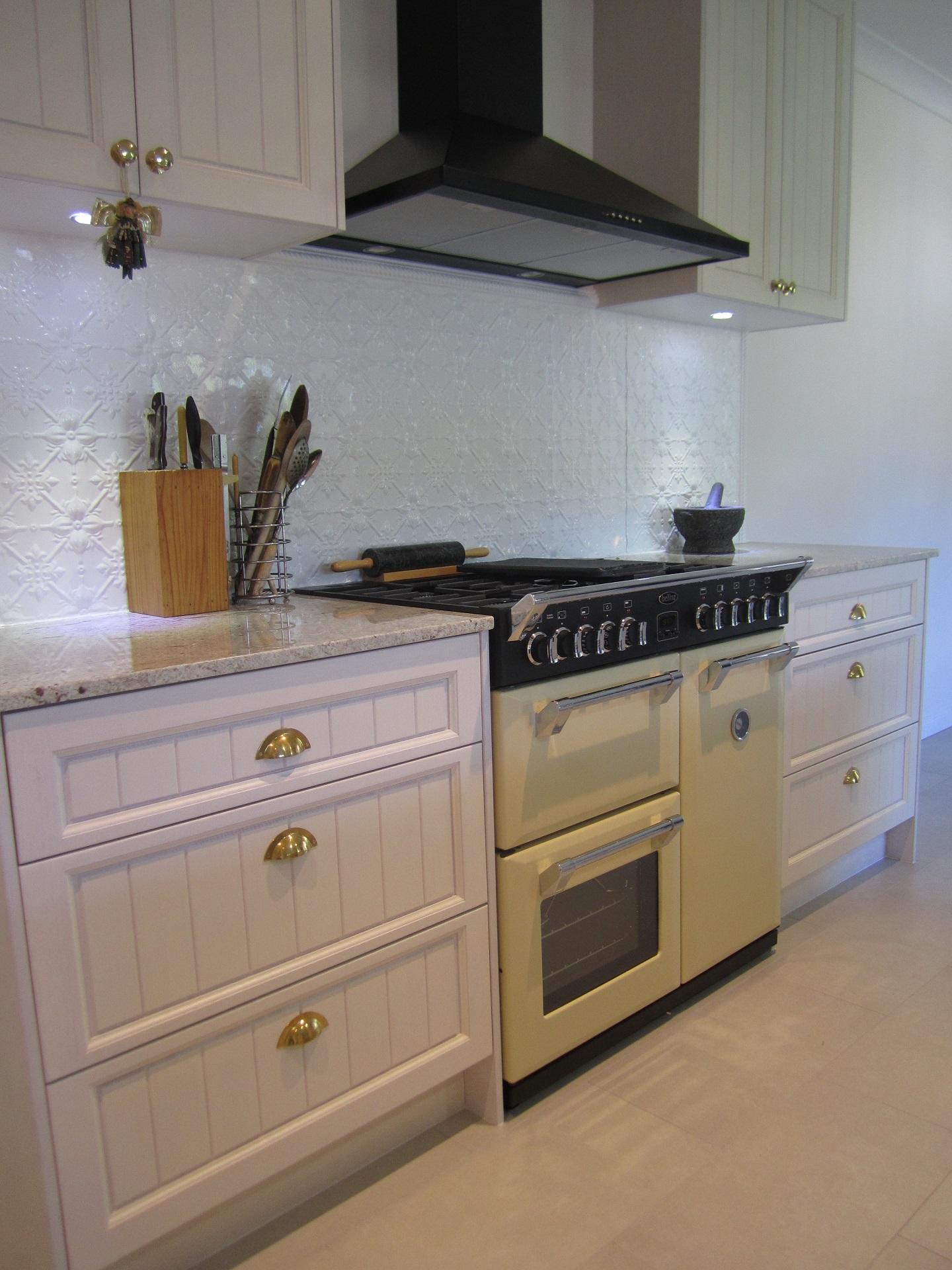 brisbane-kitchen-design-brookfield-shaker-vj-traditional-kitchen10