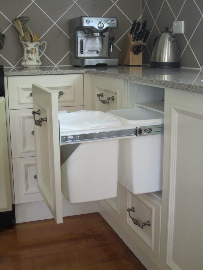 brisbane-kitchen-design-gordon-park-traditional-kitchen-country-style1