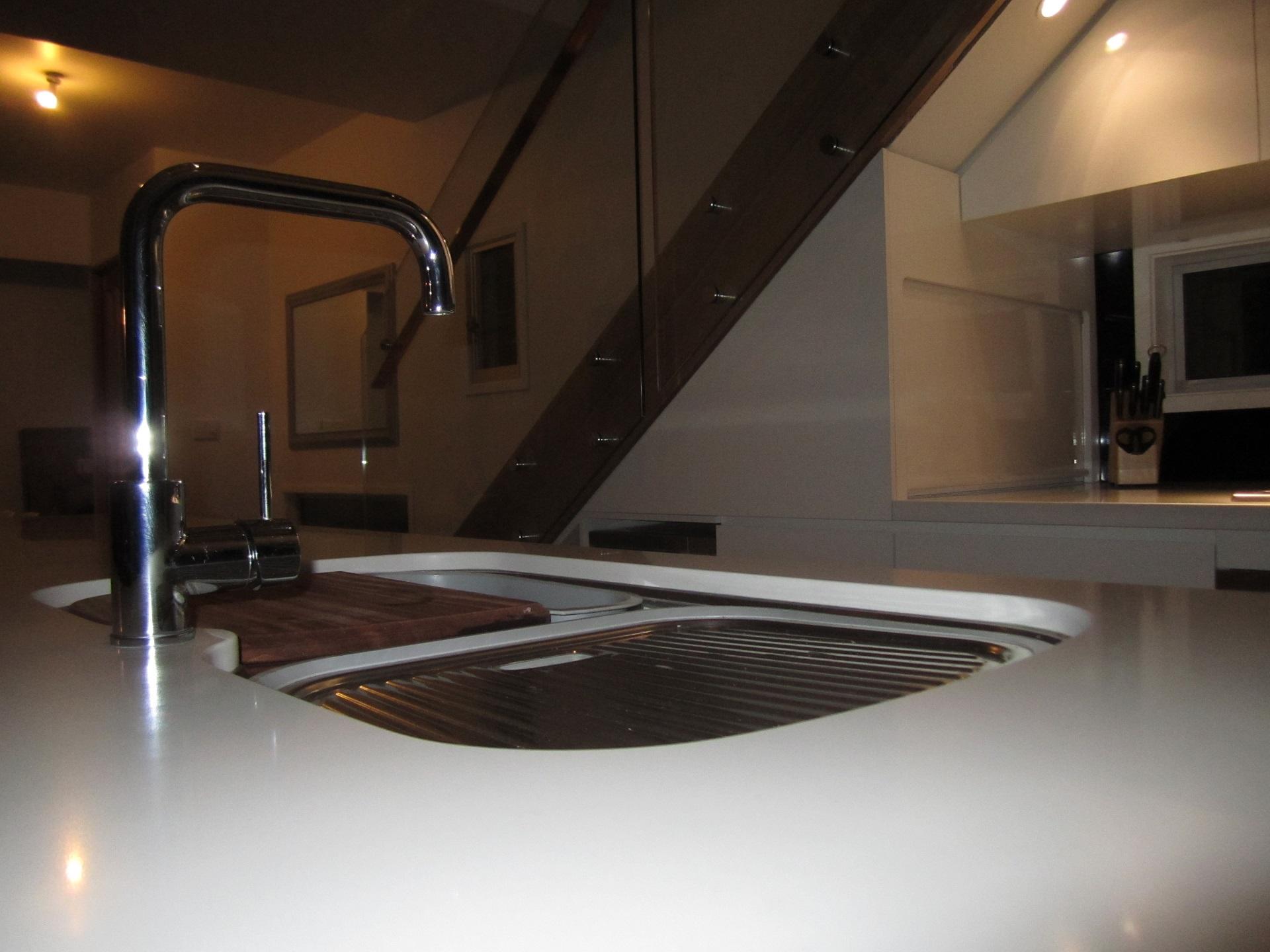 brisbane-kitchen-design-highgate-hill-contemporary-kitchen6