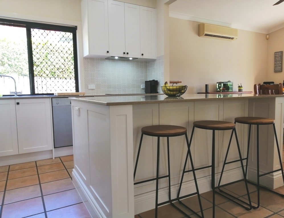Bridgeman Downs Shaker Kitchen with Island
