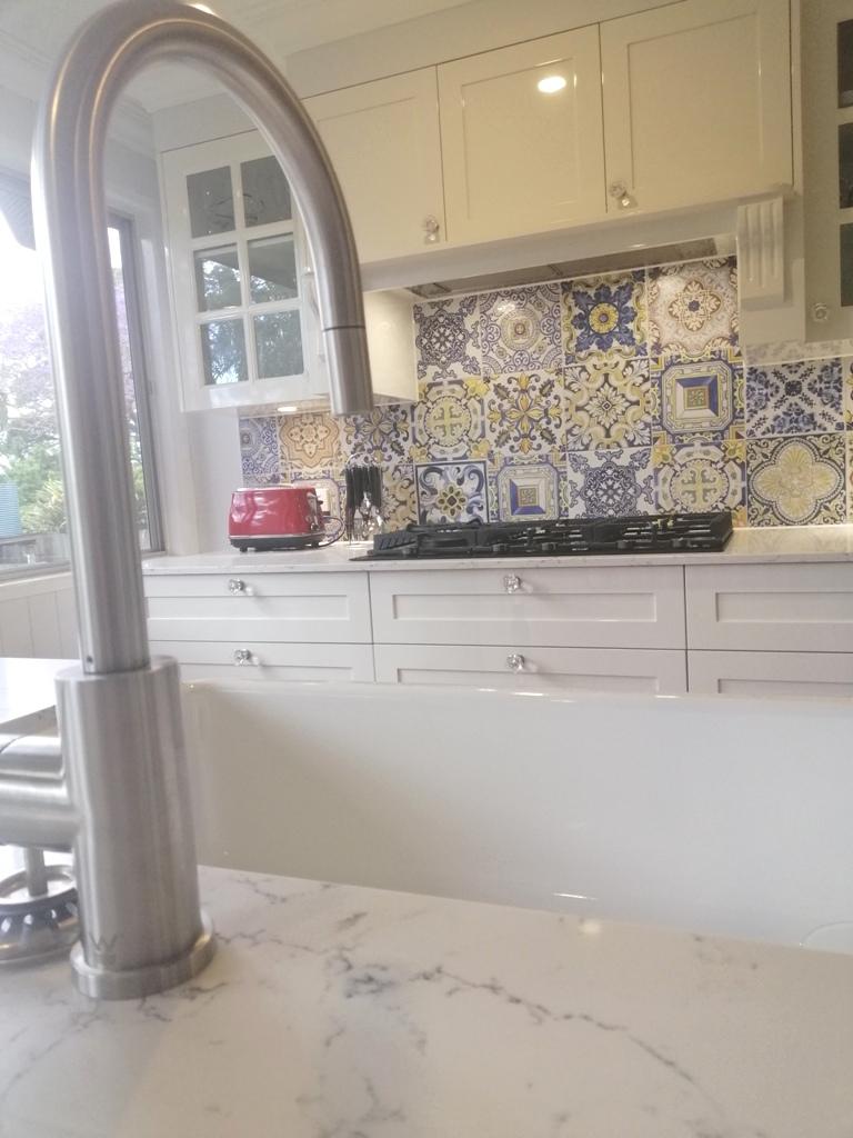 BrisbaneKitchenDesign Enoggera Shaker Kitchen Caesarstone White Attica Benchtops
