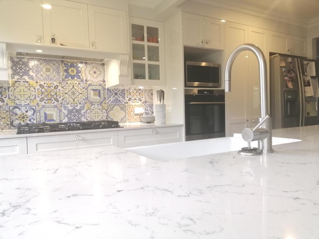 Caesarstone White Attica BenchtopsBrisbaneKitchenDesign Enoggera Shaker Kitchen